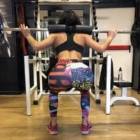 Squat con leggings semitrasparenti
